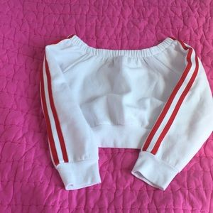 Garage Tops - White and red of the shoulder crop top
